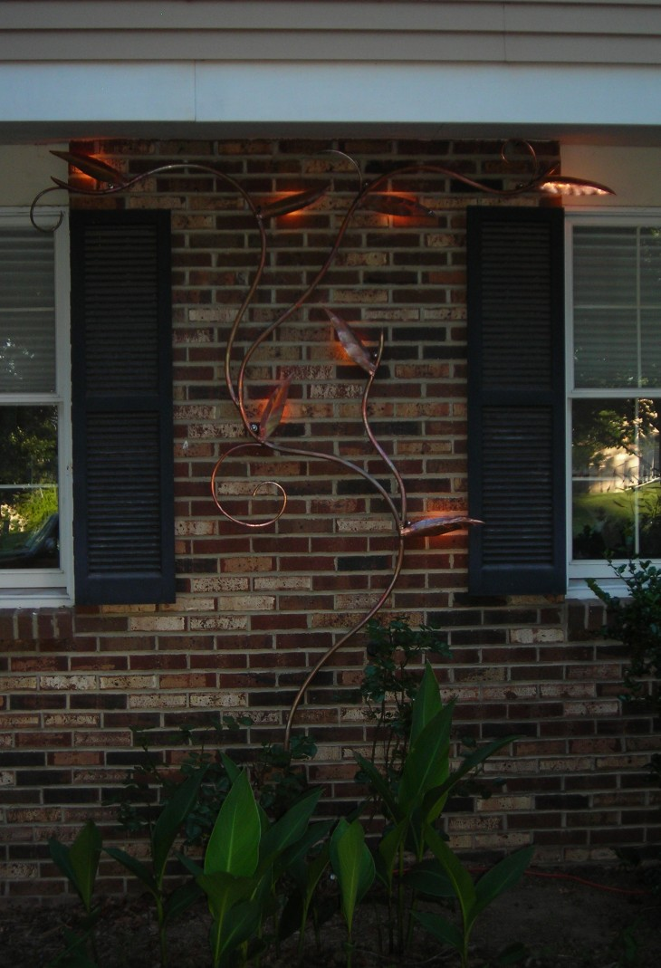 Lighted Vine