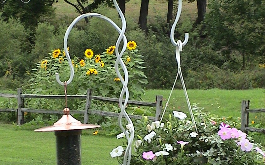 Hanging Basket Post